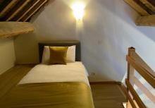 Ferme château Laneffe, location de chambre d'hôtes 3 personnes, Tournesol