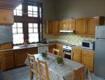 ferme-chateau-laneffe-gite-de-la-dependance-14-personnes-cuisine