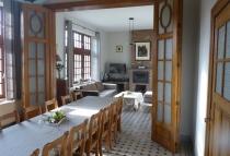 ferme-chateau-laneffe-gite-de-la-dependance-14-personnes-salle-a-manger