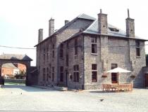 ferme-chateau-laneffe-gite-de-la-dependance-14-personnes